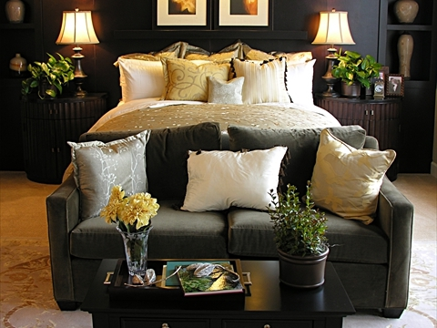 Custom Bedding for Bedrooms Near Fairfield and Fremont, California (CA) like Throw Pillows in Many Sizes